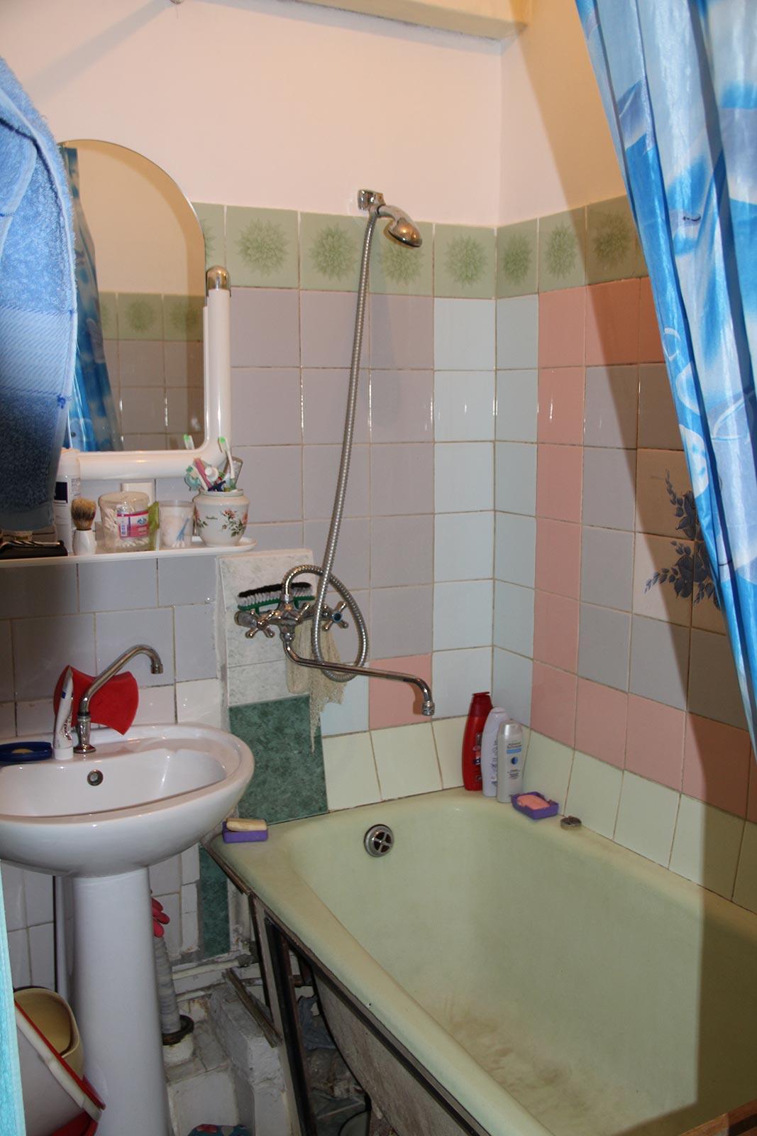 Ванная комната в грузинке ванная комната стеклянная ширма